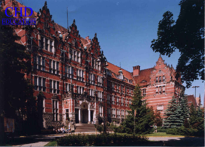 Khuôn viên tuyệt đẹp của trường đại học Gdańsk