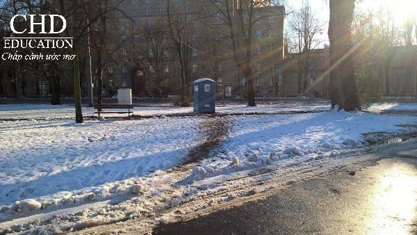 Cảnh mùa đông tại Ba Lan được chụp bởi bạn Hoàng Phong (Hs CHD)
