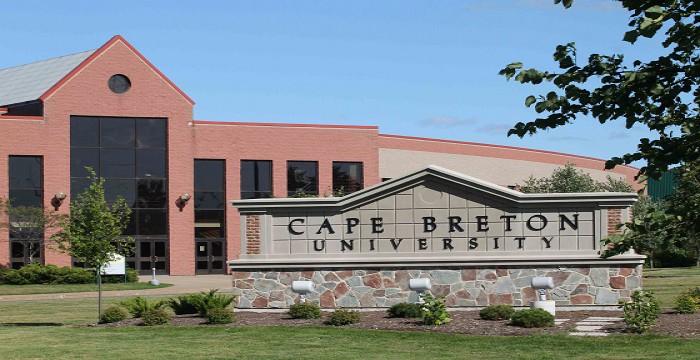 Đại học Cape Breton – Canada