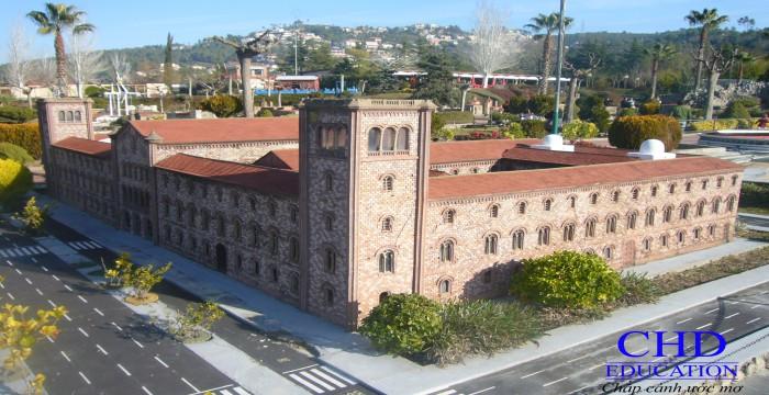 Du học Tây Ban Nha tìm hiểu trường đại học Barcelona