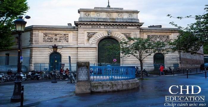 Học công nghệ thông tin hệ cử nhân bằng tiếng anh tại Pháp