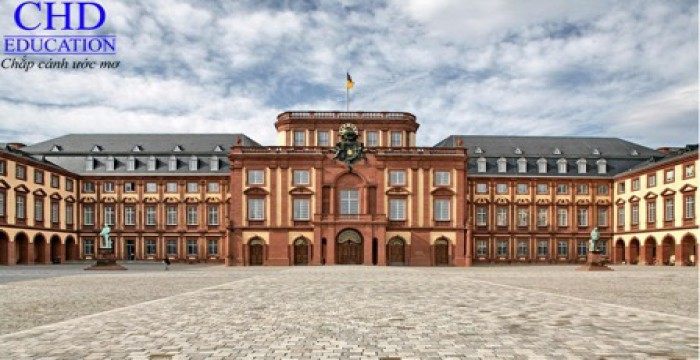Khám phá Mannheim và Đại Học Tổng hợp Mannheim
