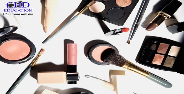 Pháp – Miền đất hứa cho du học ngành Makeup