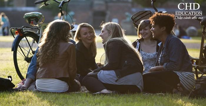 Tại sao Đan Mạch là nơi hạnh phúc nhất để học tập