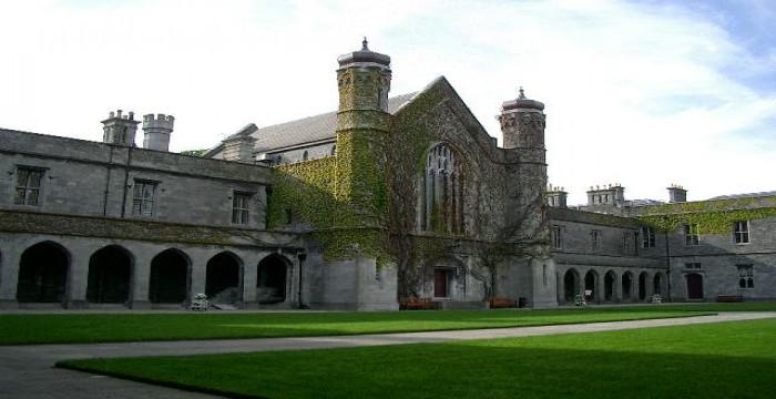 Top 5 trường đại học hàng đầu tại Ailen